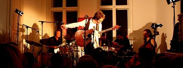 Erik Penny am 12. August bei der Sofa Session im heimischen Wohnzimmer (Foto: www.fotoapparat.wordpress.com)