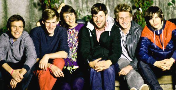 Paula & Karol sind von links nach rechts: Szymon, Christoph, Paula, Karol, Krzysiek und Staszek (Foto: Anna Rowinska)