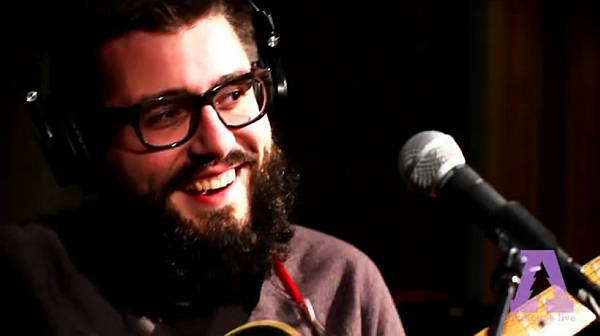 Evan Weiss aka Into It. Over It. live @ Audiotree (Screenshot: Audiotree.tv)