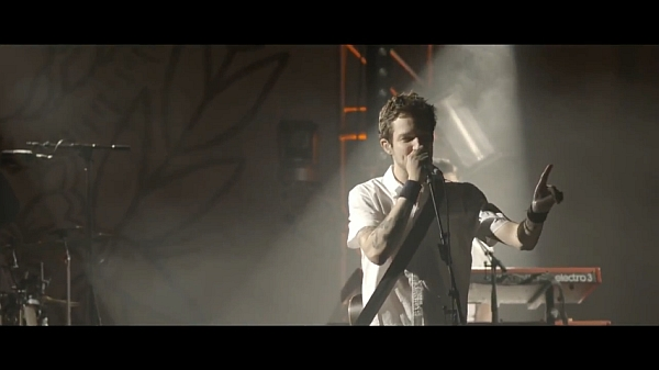 Screenshot: Frank Turner & The Sleeping Souls live @ The Forum, London, 25/04/13