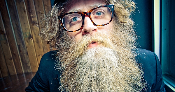 Beeindruckende Stimme, beeindruckender Bart: Ben Caplan