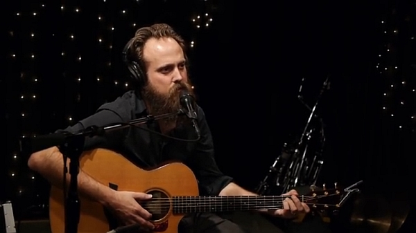 Screenshot: Iron And Wine live @ KEXP, 04/11/13