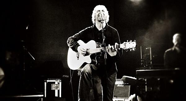 John Bramwell live mit I Am Kloot im April 2013 (Foto: flickr / Tim Difford / CC-BY-NC-ND)