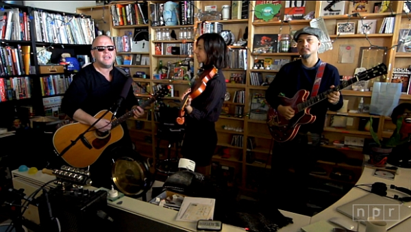 Pixies live @ Tiny Desk Concert (Screenshot: npr.org)