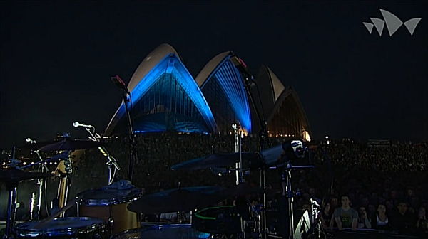 Screenshot: The National live @ Sydney Opera House Forecourt, 08/02/14